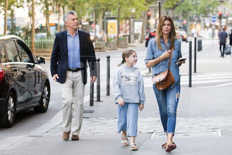 Aterrizaron el viernes 31 en Francia y se hospedaron en el exclusivo hotel La Réserve. Tras un weekend urbano, pasarán unos días en la Costa Azul y luego el ex presidente viajará por trabajo a Suiza