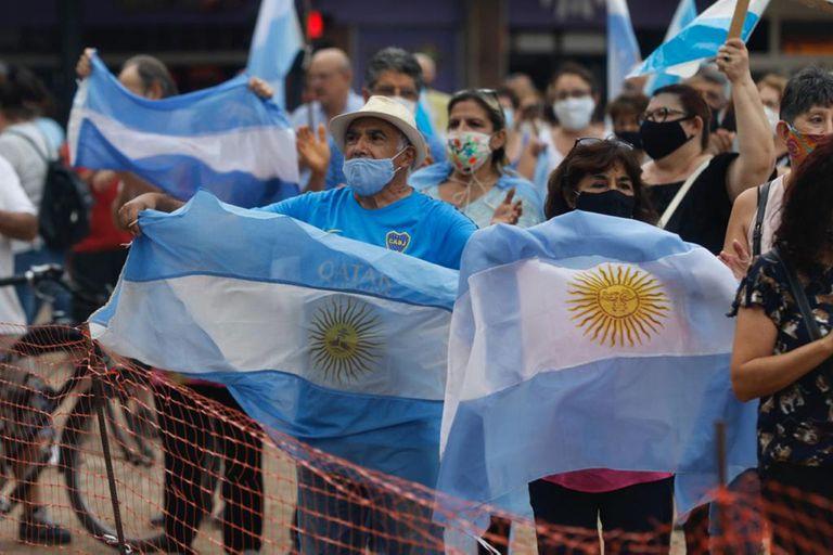 La marcha por las vacunas vip en Tucumán