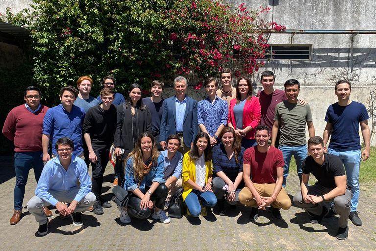 Macri. Recibió a referentes universitarios y se mostró junto a Darío Nieto