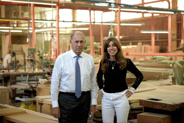 Claudia Faena junto a Roberto Fontenla en el taller en Fontenla Desing Mall