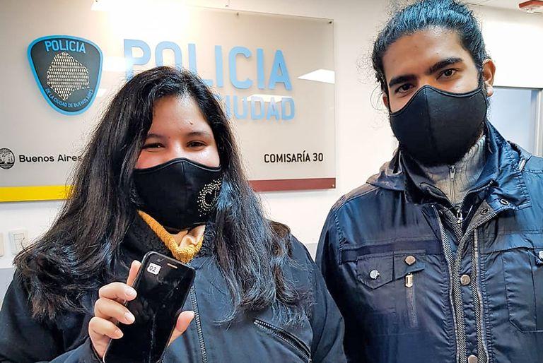 El ministerio de Justicia y Seguridad porteño devolvió celulares robados a sus propietarios