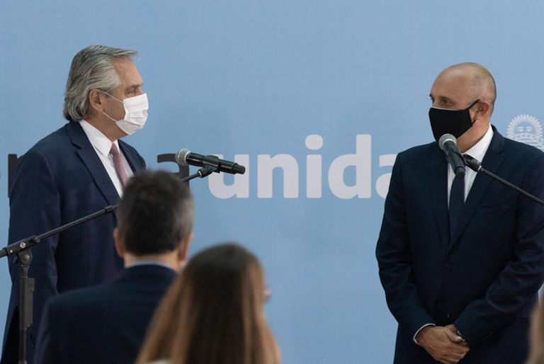 Alberto Fernández y el massista Alexis Guerrera, mirado con recelo desde el kirchnerismo duro