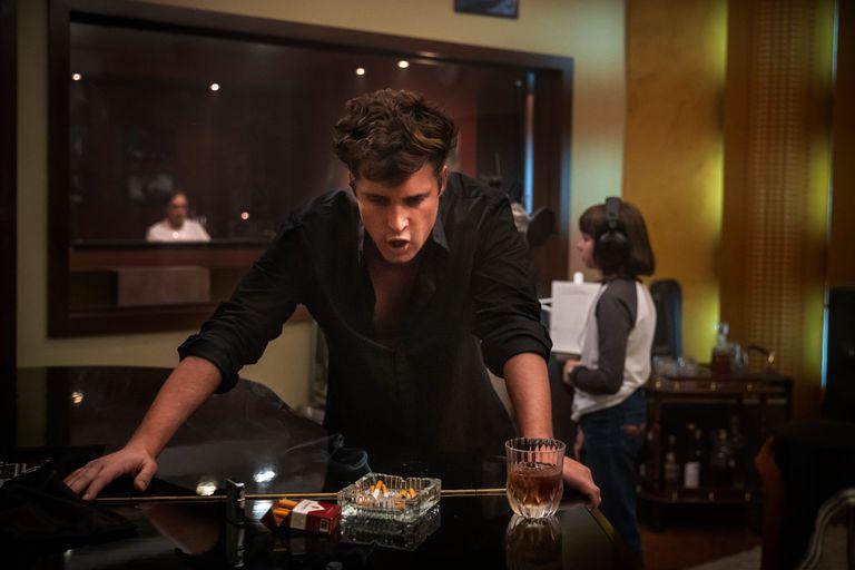 """Escena del capítulo """"Entrégate"""" de Luis Miguel, la serie, estrenado el domingo 23 de mayo en Netflix"""