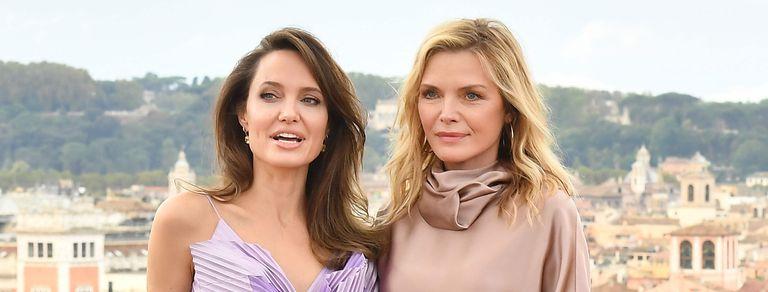 Pfeiffer y Jolie: chicanas, piropos y confesiones de dos mujeres fuertes