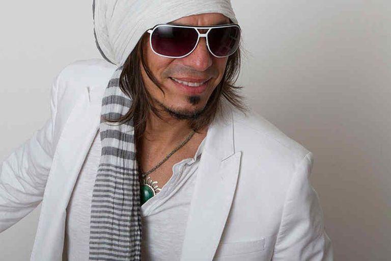 """Qué es de la vida de Derek López, el cantante del hit noventoso """"Batida de coco"""""""