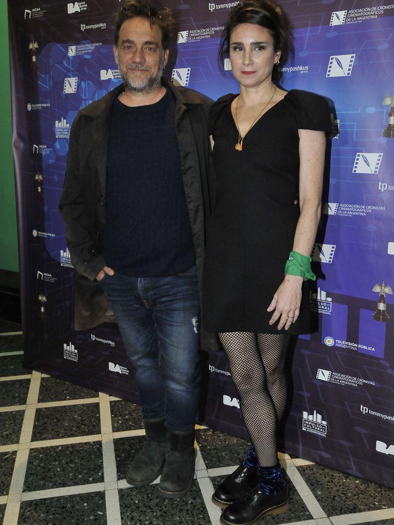 La mejor canción, Reyes de la soledad, que Vicentico canta con su esposa Valeria Bertuccelli en el film que ella dirigió, La reina del miedo