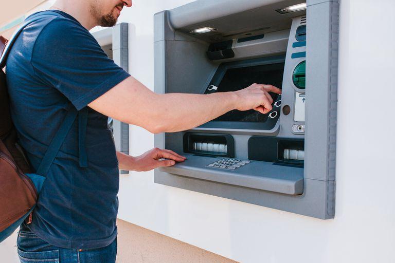 El sistema funciona por extracción bancaria
