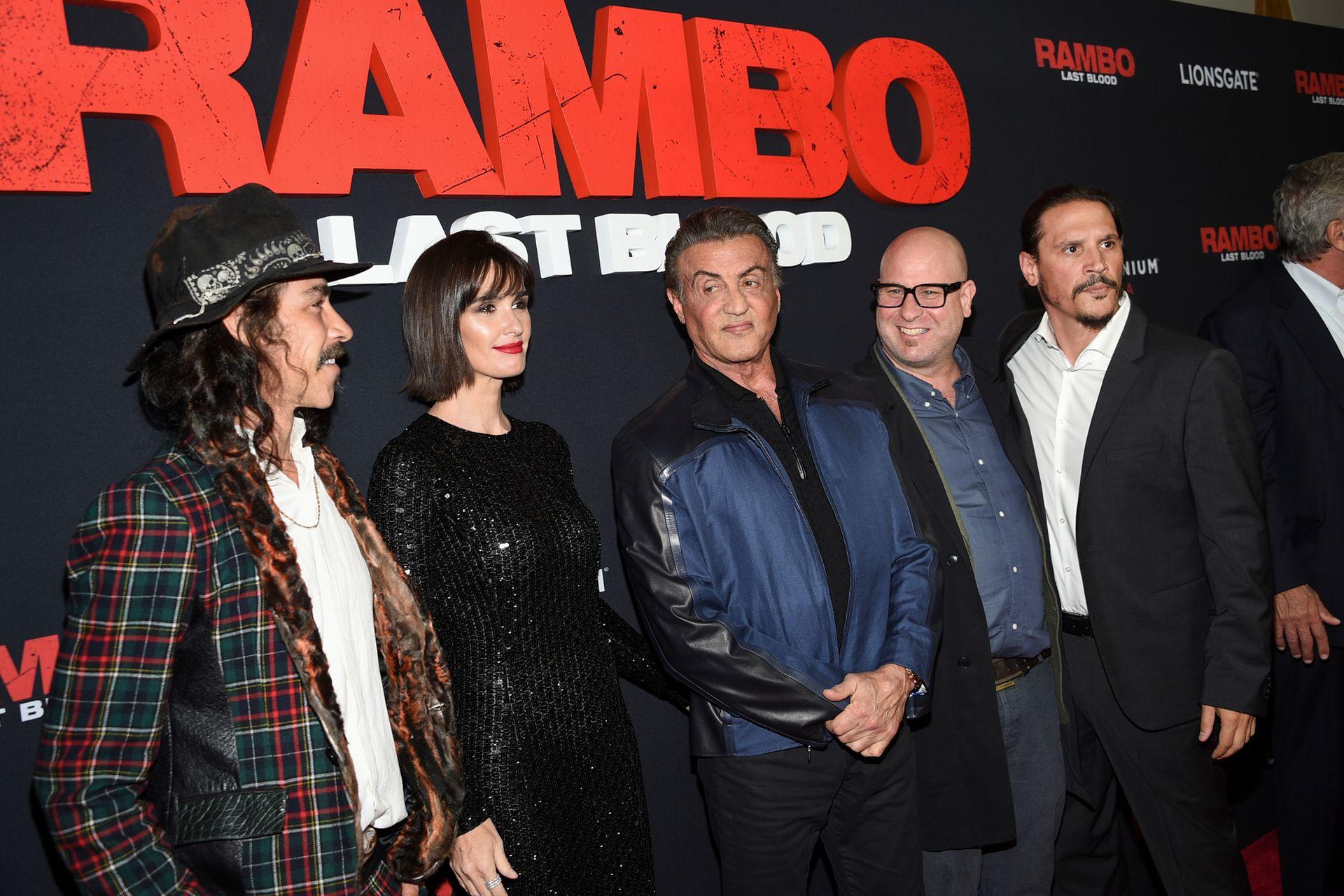 Los actores Oscar Jaenada, Paz Vega, Sylvester Stallone, Sergio Peris-Mencheta y el director Adrian Grunberg, en la avant premier de Rambo: Last Blood, en Nueva York