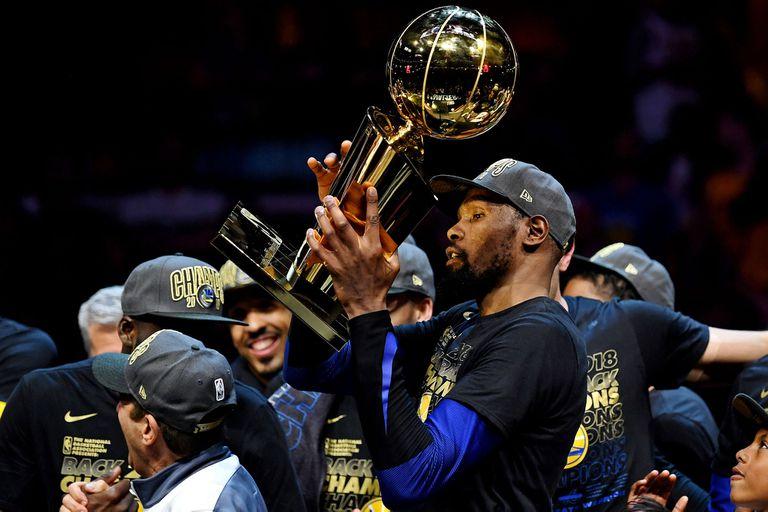 Golden State barrió a Cleveland y logró su tercer anillo de NBA en cuatro años