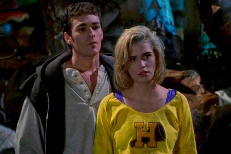Luke Perry y Kristy Swanson, los protagonistas de la película de 1992 Buffy, la cazavampiros