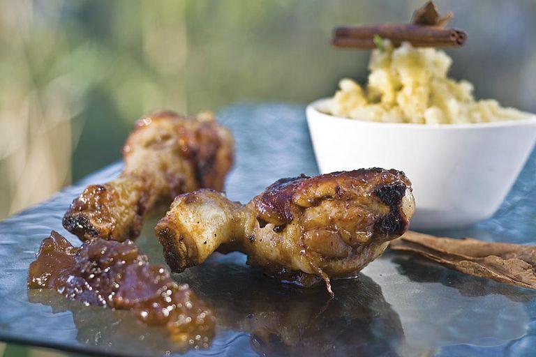 Pollo asado con chutney y puré de batatas
