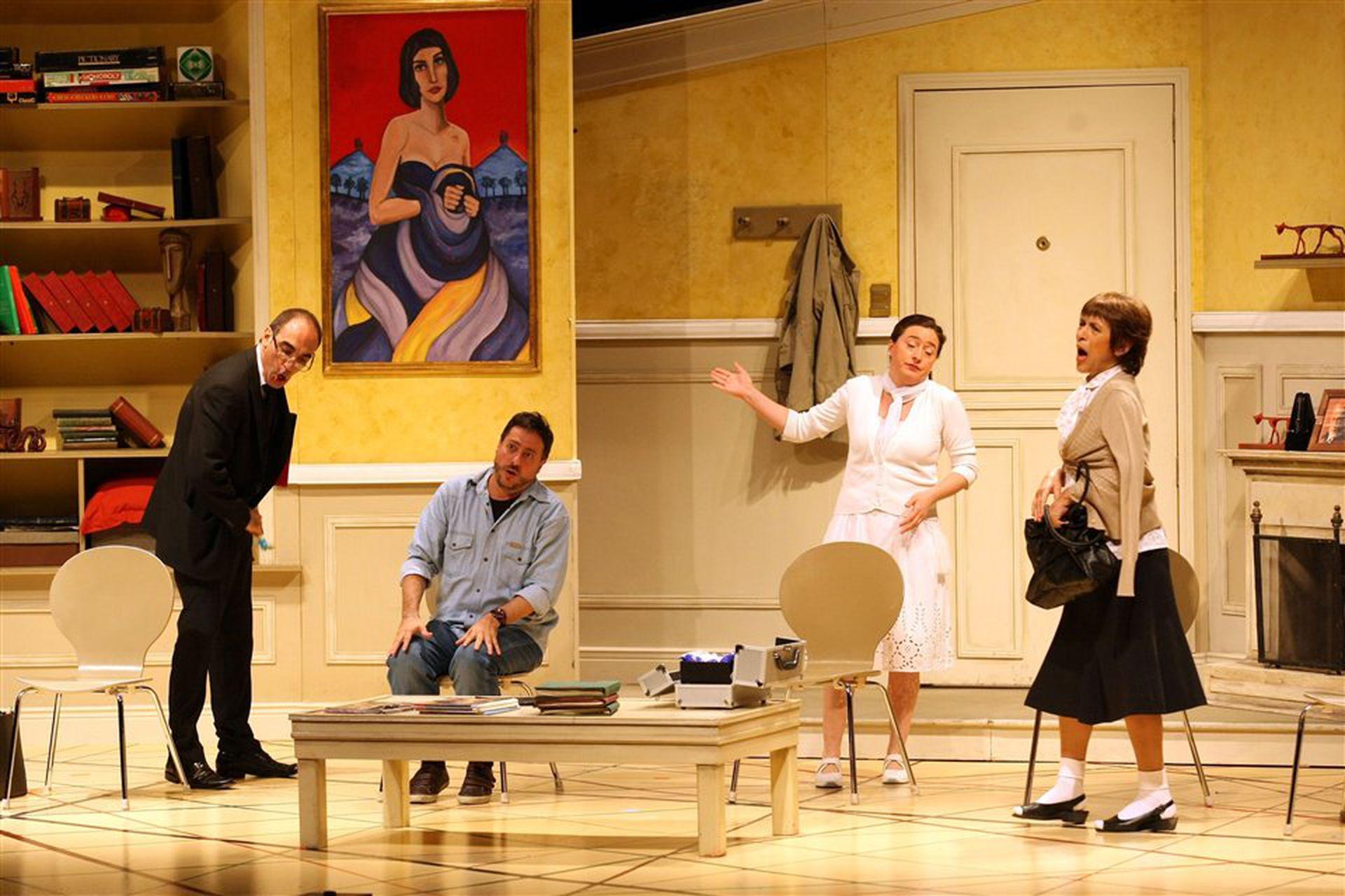 Mauricio Dayub, Daniel Casablanca, Eugenia Guerty y María Fiorentino, en una escena de Toc toc