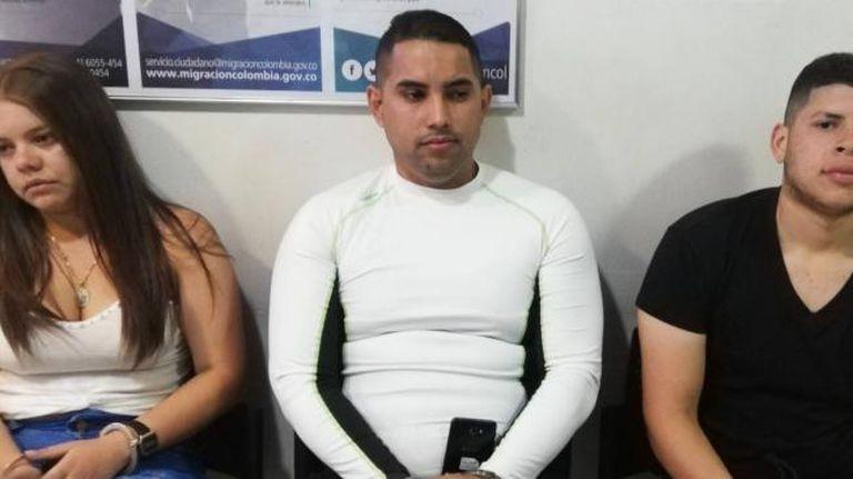Herierv José Borja Pirona y Wilnelmary Lourdes Callejas fueron retenidos y expulsados junto con Olivares