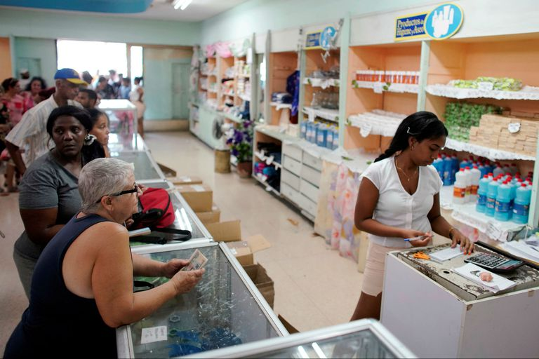 Escasez en Cuba: el régimen raciona la venta de productos básicos