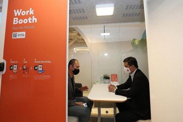 Switch también ofrece cabinas más amplias, donde dos personas pueden trabajar juntas o tener una reunión