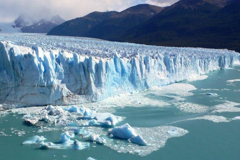 En el caso de los glaciares de Groenlandia, cuanto más grandes son, más rápido se derriten