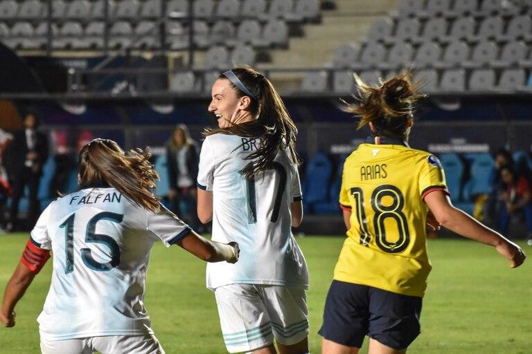 Sophie Braun festeja un gol para la selección juvenil: hoy ya es parte de la mayor.