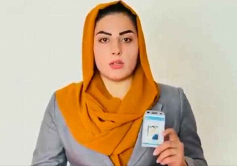 Shabnam Dawran trabaja hace seis años en ToloNews, y desde que los talibanes tomaron el poder, no pudo regresar a su puesto
