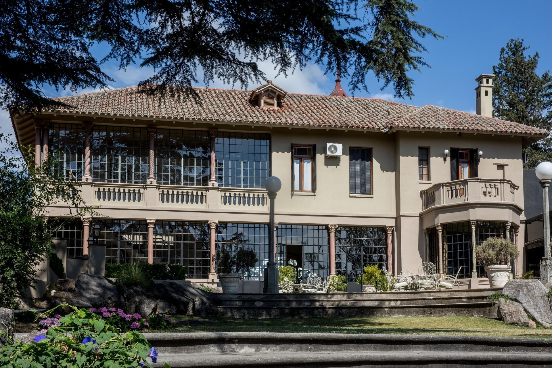 Por su valor patrimonial arquitectónico, San Leonardo ingresó hace tres años en la nómina de bienes protegidos de la Comisión Nacional de Monumentos Históricos de la Nación.