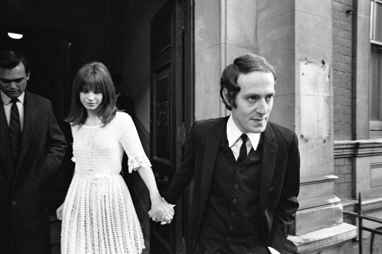 A los 18, Jane se casó con John Barry, de 30, el hombre que le había dado su primer papel en cine. Era octubre de 1965