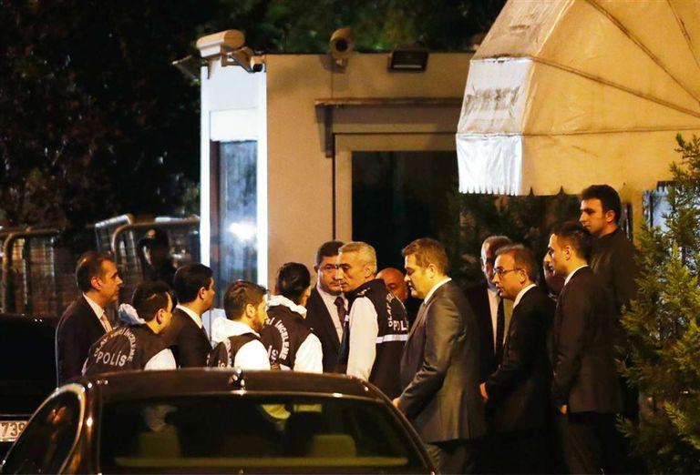 La policía forense turca investigó ayer el consulado saudita