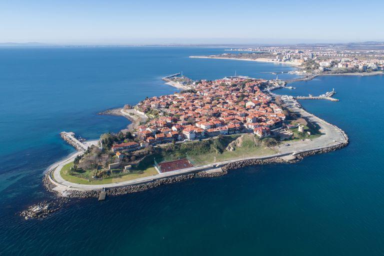 Una vista aérea de Nessebar, Bulgaria, en la costa del Mar Negro