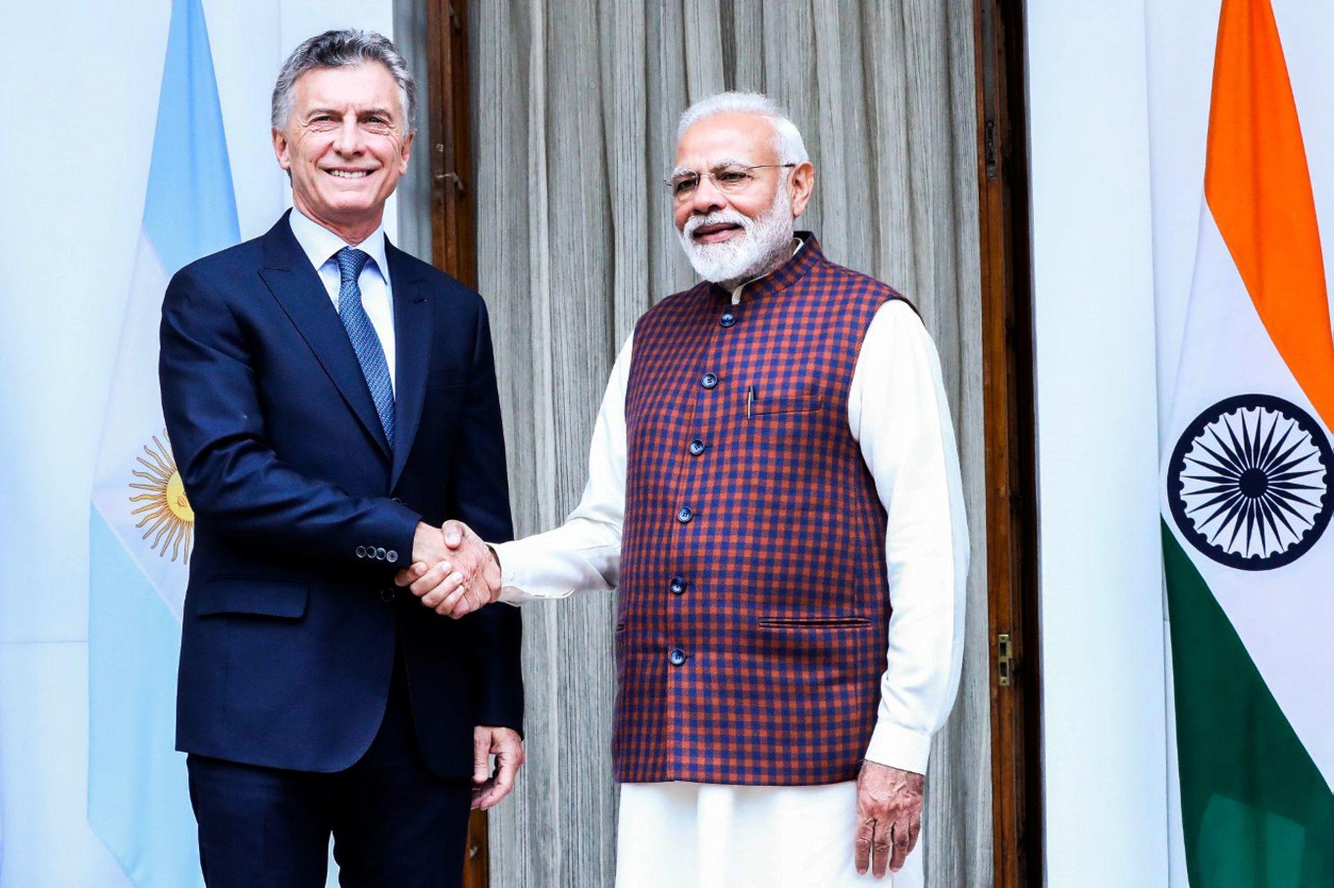 Modi durante el saludo oficial con Macri