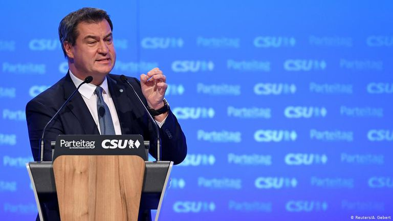 Por el momento, Markus Söder, líder del CSU de Baviera supera en los sondeos a Armin Laschet, representante del CDU, partido conservador al que pertenece Merkel