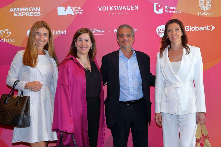 Gabriela Goldszer, directora deOcampoPropiedades, ceclia Giordano (Mercer), Nestor García ( KPMG) yMarianaSchoua (Orazul Energy)