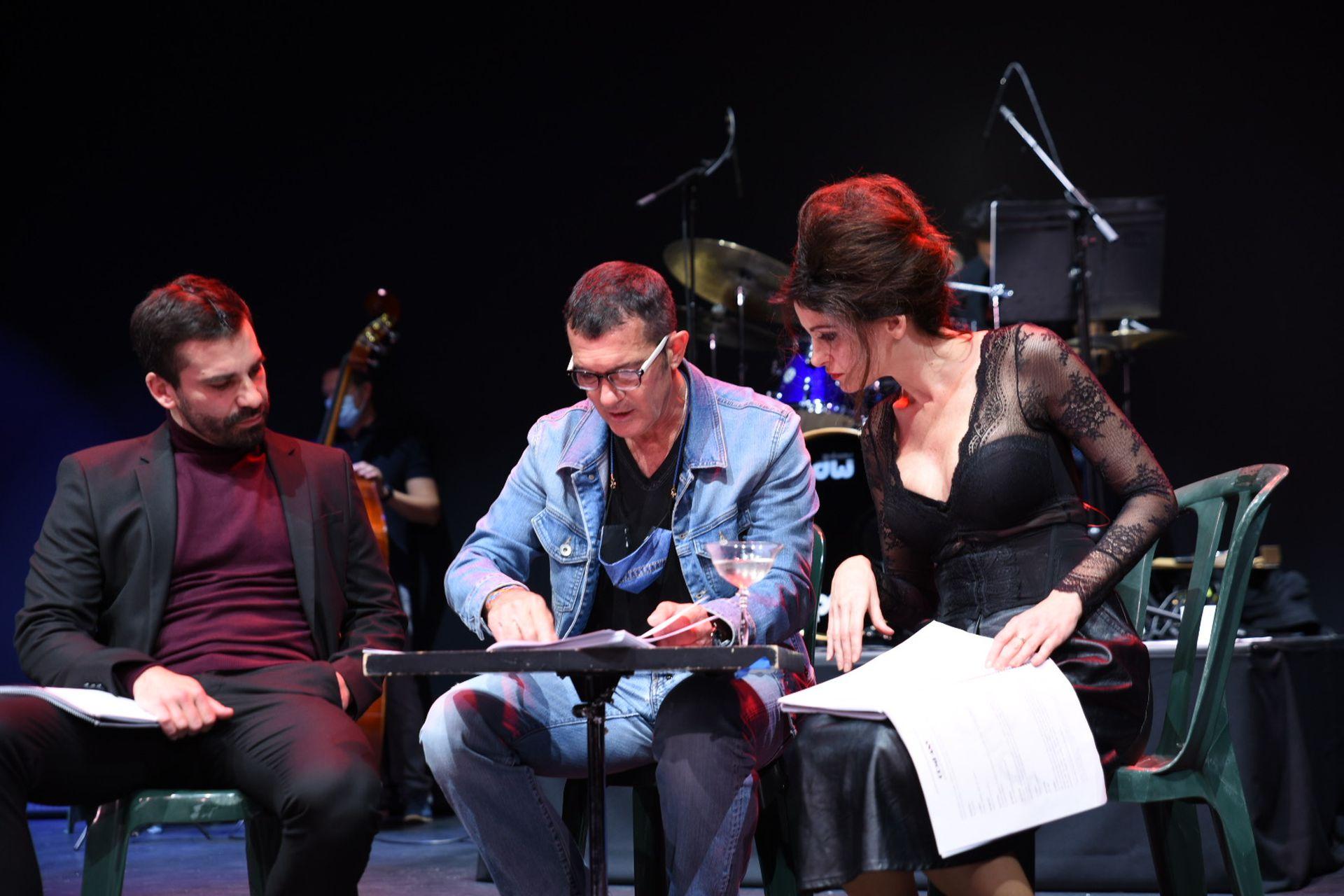 Juan José Marco, Antonio Banderas y Graciela Monterde interpretan una escena del musical en el workshop que se realizó en octubre de 2020