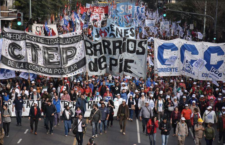 El Gobierno reconoce a los trabajadores informales y les allana el camino a su sindicalización