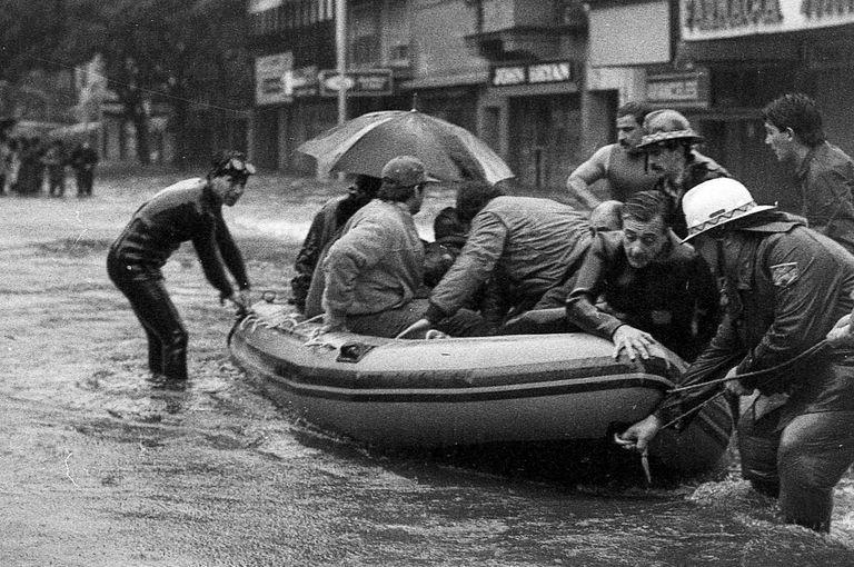 """""""Lluvia del siglo"""": a 36 años de la tormenta récord que que dejó 14 muertos en la Ciudad"""