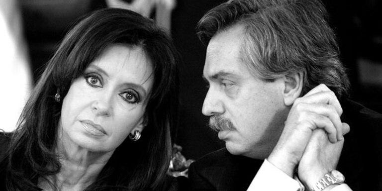 Cristina Kirchner y el entonces jefe de Gabinete Alberto Fernández, durante un acto en la Casa Rosada en marzo de 2008