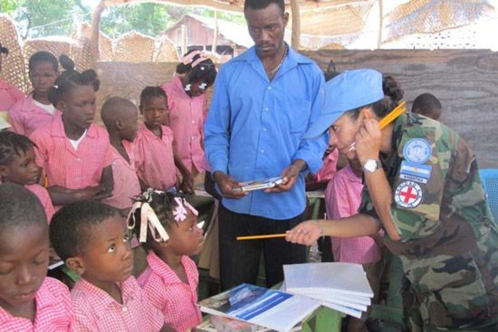 La tarea de Claudia Fabián en Haití era, especialmente, humanitaria