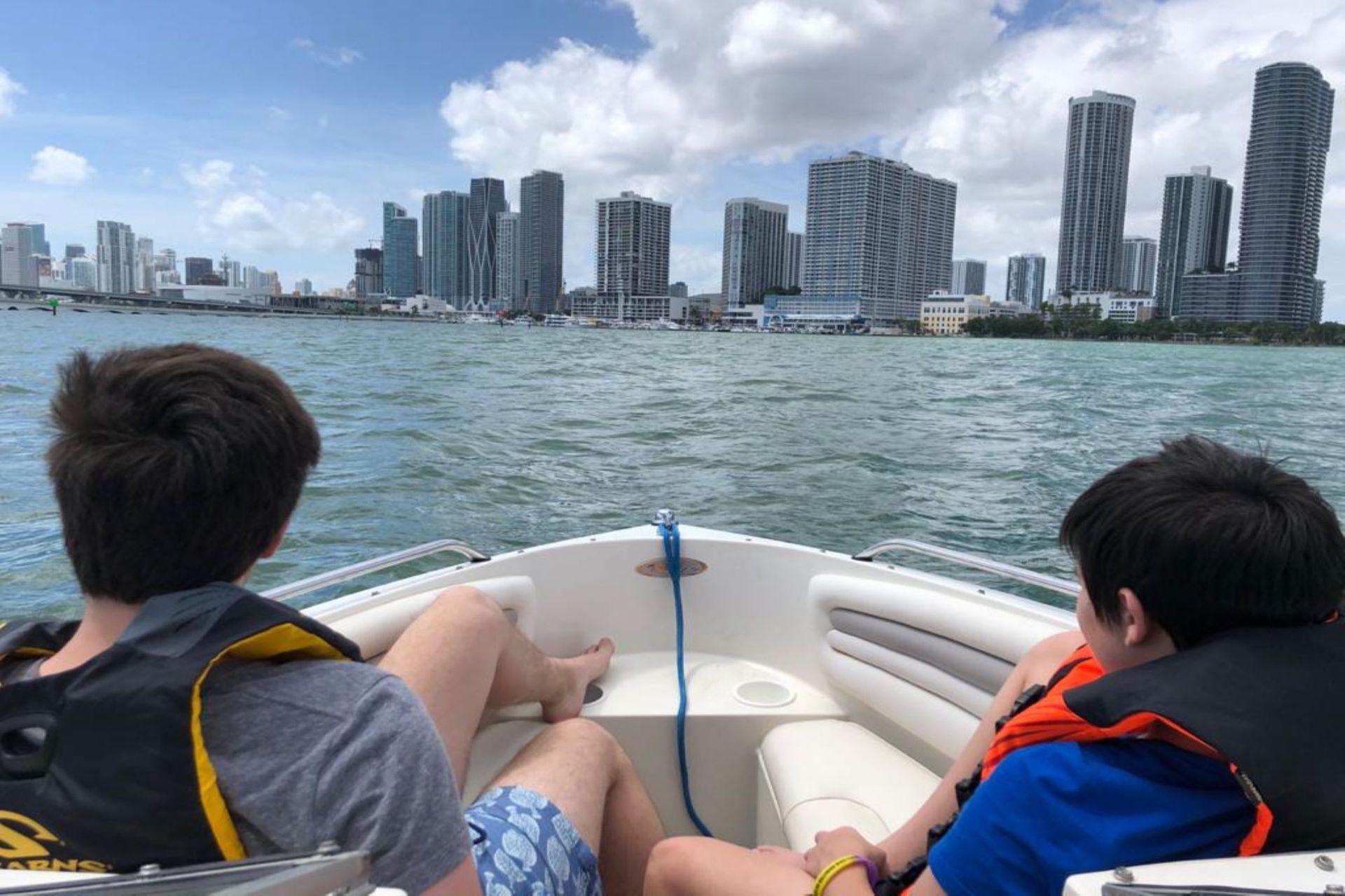 Descanso y compras, las principales los planes de los argentinos en Miami