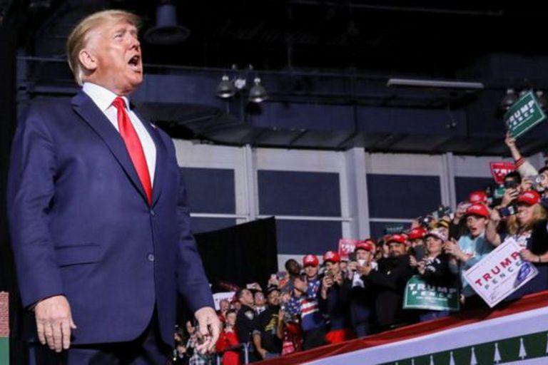 Trump repitió varias veces que no hizo nada malo en un acto junto a sus seguidores este miércoles