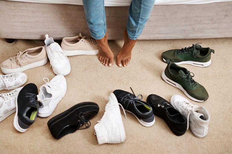 El reto viral de la famosa marca de zapatillas que siempre caen hacia arriba