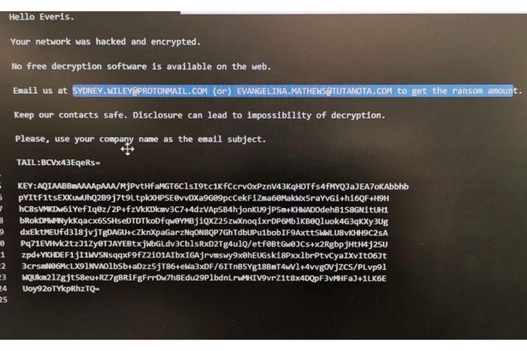 El mensaje que aparece en las computadoras infectadas de Cadena Ser y Everis, y que exige un pago para recuperar el acceso a los archivos