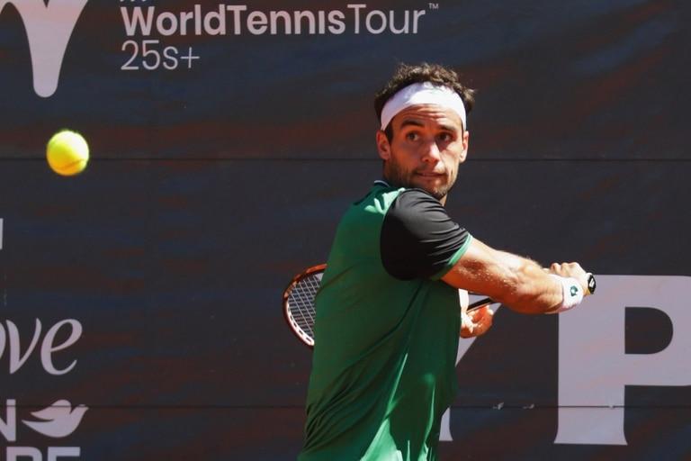 Nicolás Kicker volvió al circuito tras la suspensión y ganó un torneo en Córdoba
