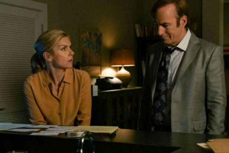 Rhea Seehorn y Bob Odenkirk en la gran Better Call Saul que termina este año
