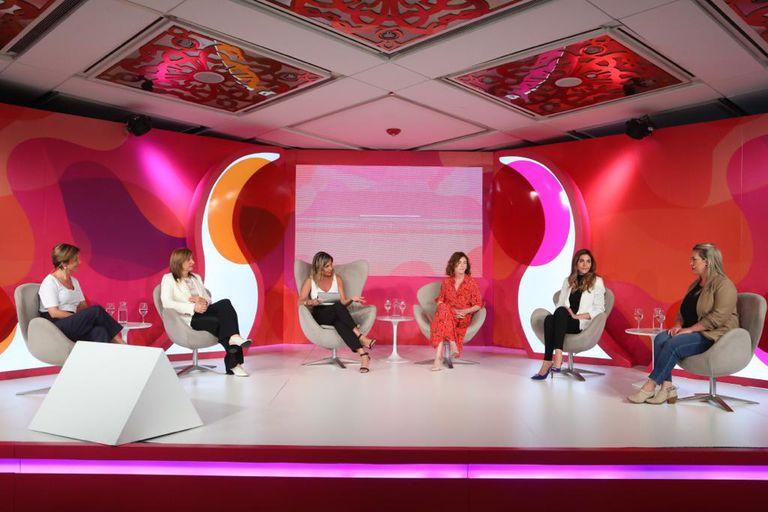 Verónica Marcelo (Natura), Rosana Felice (GSK), Carla Quiroga (LA NACION), Alejandra Naughton (Supervielle), Patricia Pomies (Globant) y Agustina Señorans (Gobierno de la Ciudad)