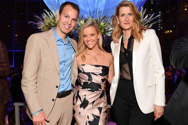 Casey Bloys de HBO junto a las actrices protagonistas de la serie