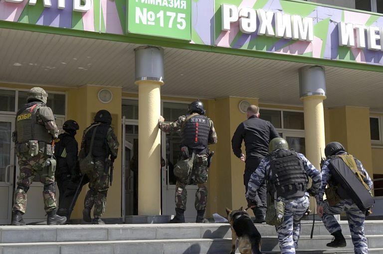 Tiroteo en una escuela de Kazán, Rusia