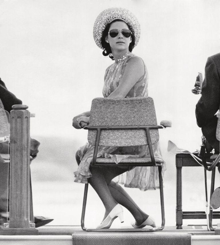 Espléndida con un sombrero y gafas de sol, la princesa ocupó su sitio para el show aéreo de la Royal Air Force. Tenía 37 años