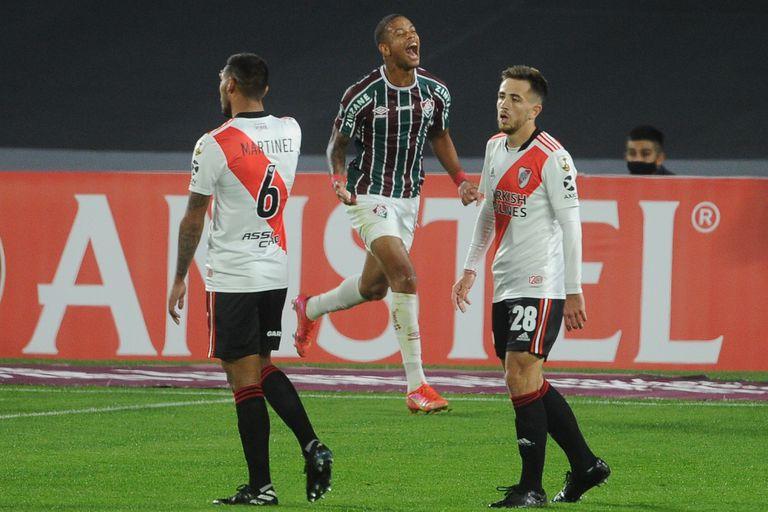 Caio Paulista festeja el primer tanto de Fluminense