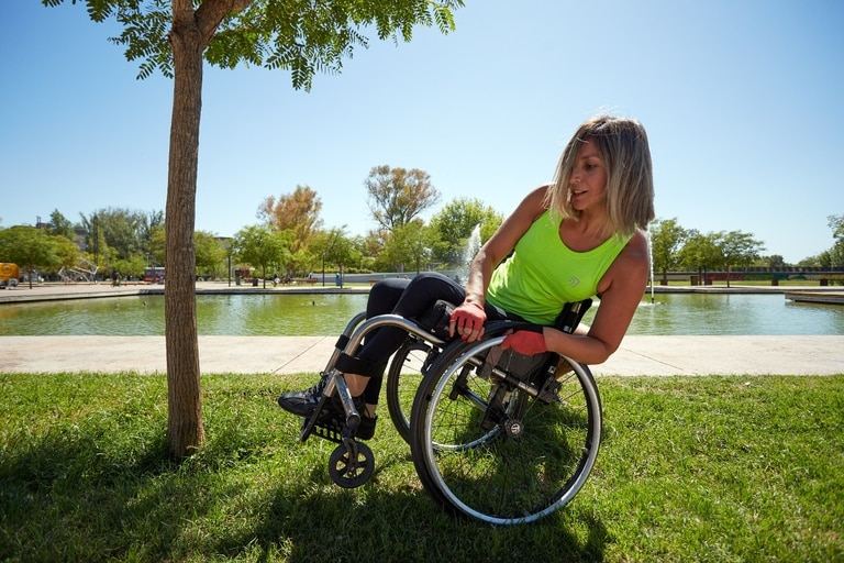 La mendocina Natalia Acevedo, a los 37 años, encontró la forma de mostrarle al mundo que la discapacidad no es un impedimento para hacer lo que desea