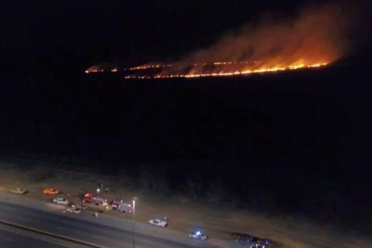 Es una zona de pastizales y bañados, por lo que no hubo viviendas afectadas ni evacuados; el fuego se extendió entre 500 y 800 metros