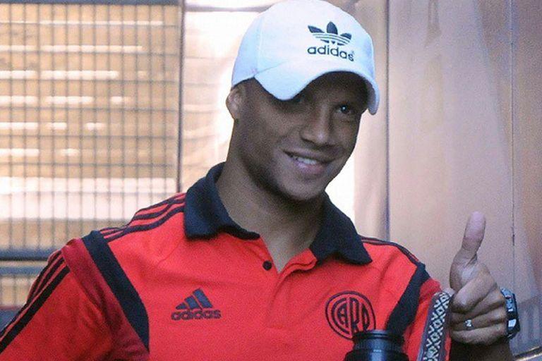 Carlos Sánchez volvió y quiere ser titular ante Boca