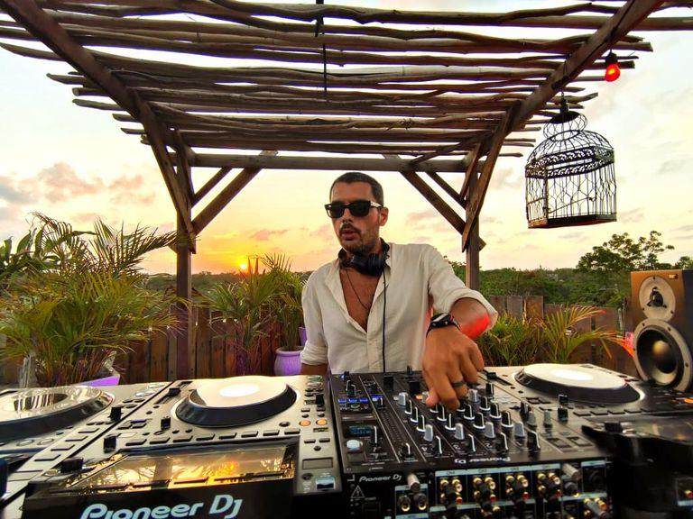"""Cuales son los destinos """"liberados"""" que eligen los DJ en tiempos de pandemia"""