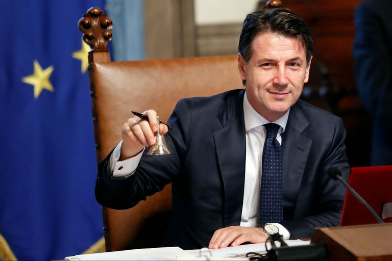 Juró y asumió el poder en Italia el primer gobierno populista de Europa